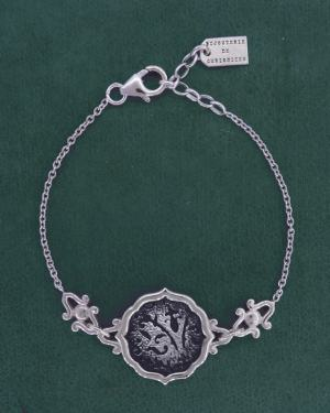Round bracelet with fleur-de-lys and arabesques, handmade in 925 silver | Res Mirum