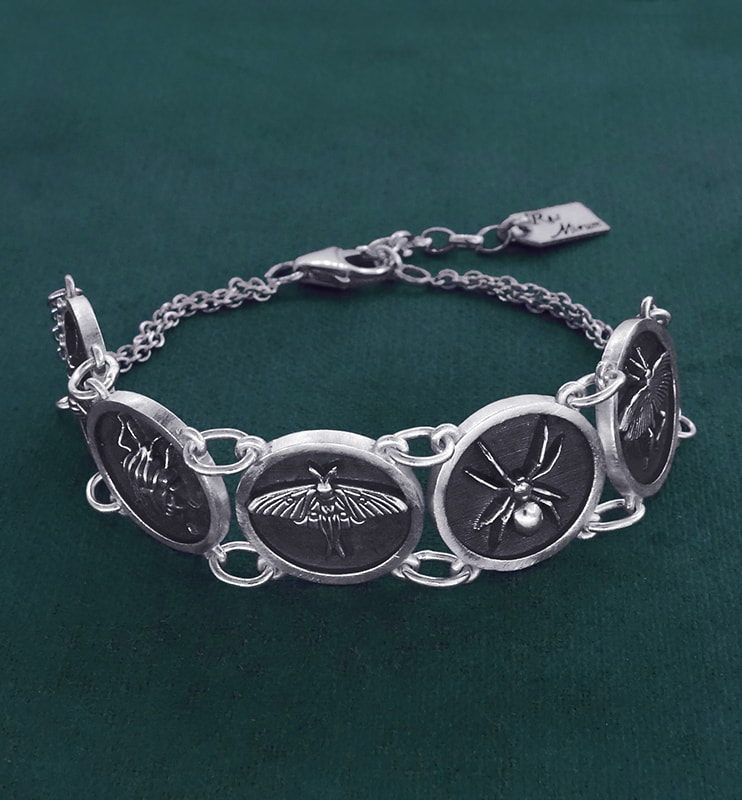 Butterfly, spider, grasshopper, bug & bee bracelet in small round handmade sterling silver frames | Res Mirum