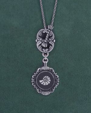 Nautilus shell or ammonite long necklace museum spirit d'natural history toogle clasp handcrafted in France | Res Mirum