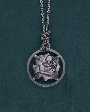 Sautoir esprit cryptozoologie fossile de foetus de sirène en argent 925 de fabrication artisanale | Res Mirum