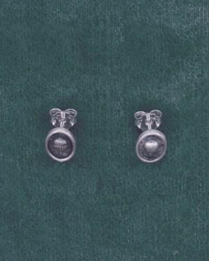 Puces d'oreilles à petites montgolfières façon camée asymétriques en argent noirci