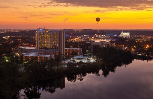 wyndham-downtown-disney-hotels-orlando-overlooking-downtown-disney-nighttime