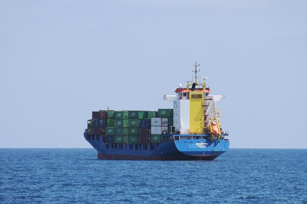 container ship / Lledo, Shutterstock