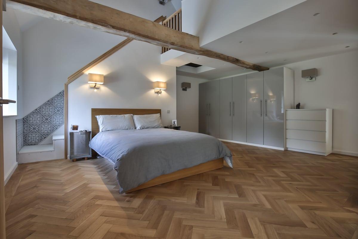 Zigzag Natural Oak Herringbone Wood Floors