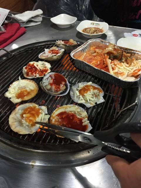 [首爾] 連韓國本地人也常去的任食燒海鮮店 !! - U Blog
