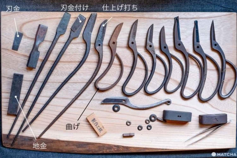 大阪の鋏鍛冶「佐助」で体験する、日本の刃物の技術と歴史