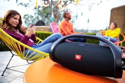 JBL lancerer Boombox: En ny bærbar højttaler, der giver episk lyd døgnet rundt 1