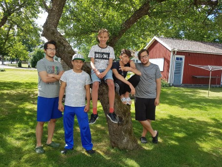 Hur gör kommunerna med ensamkommande ungdomar som fyller 18