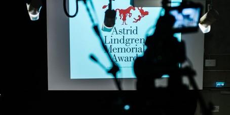 winning young adult literature Award world