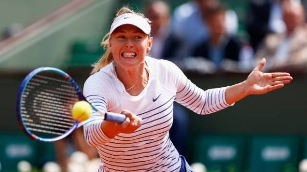 Maria Sharapova serves it up to opponent, Fed Cup ...
