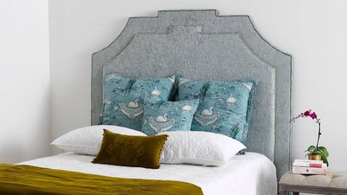 bright ideas to dress up your bedroom