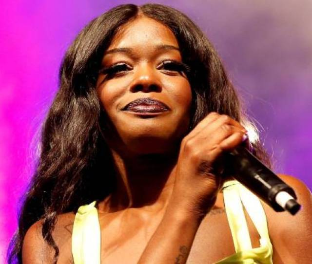 Azealia Banks Took To Instagram To Tell Followers She Was Treated Like A Wild Animal