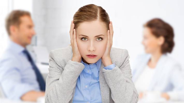 12 tips to shut up a noisy coworker without making them hate you | Stuff.co.nz