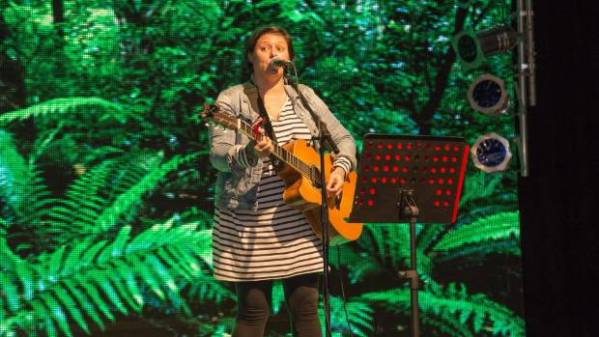 Anika Moa brings kid-friendly tour to town for the ...