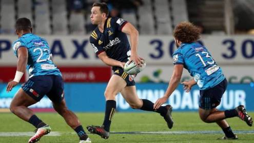 Fresh  fit and firing  ABs star Ben Smith shows benefits of a well     Ben Smith sparks an attack for the Highlanders against the Blues on Friday