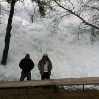 """""""Ice Tsunami"""" Destroys Homes In Minnesota And Canada"""
