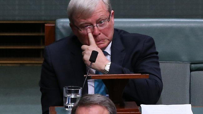 Teary Kevin Rudd resigns