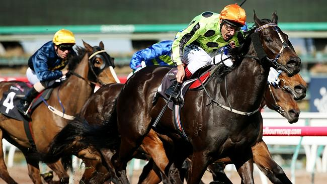 Familiar position as super mare Commanding Jewel gains the upper hand over her rivals. Pi