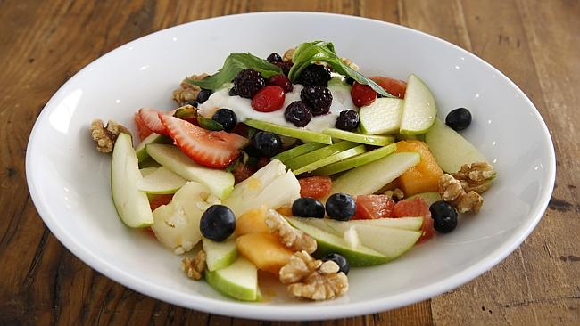 Fruit, yoghurt and nuts: The perfect training fuel.