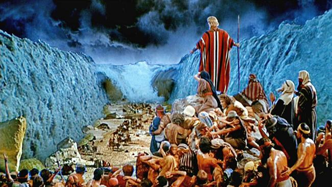 Moses & Israel Cross the Red Sea