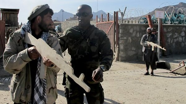 Afghanistan's ragtag militia a mixed blessing of high risk ...
