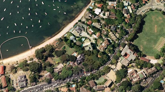 Google Earth images of the waterfront mansions of 'Elaine'