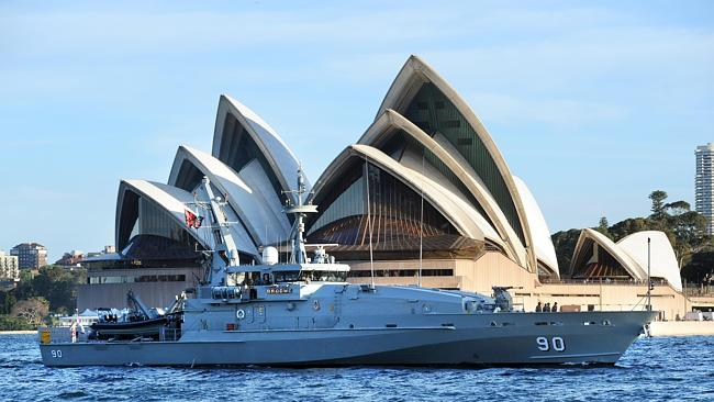 HMAS Broome and four other ships arriving into Sydney, heading to Waverton.