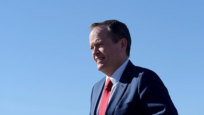Federal Opposition Leader Bill Shorten visits the Royalla Solar Farm near Canberra, Thurs