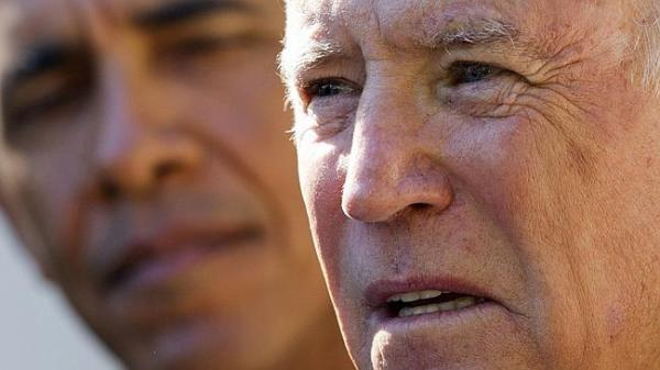 Biden bows out ... President Barack Obama listens as Vice ...