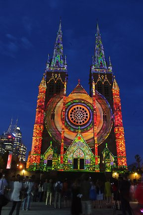 Light show for St Mary's Cathedral and Hyde Park Barracks ...