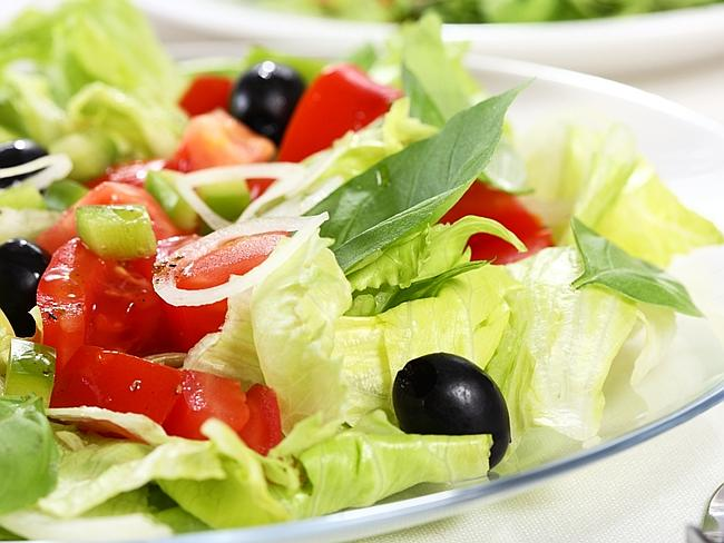 The Mediterranean diet is still the best way to lose weight according to one nutritionist
