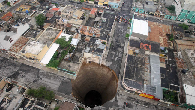 2010 giant sinkhole in Guatemala City
