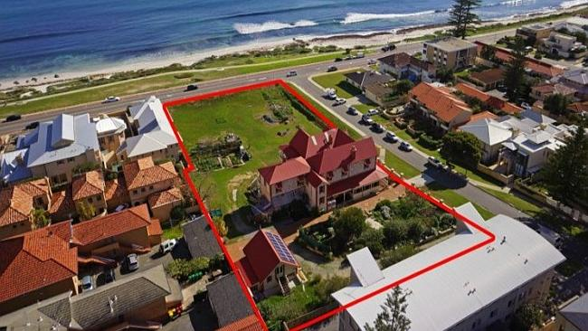The 2000sqm parcel of vacant land adjacent will be highly sought after by developers.
