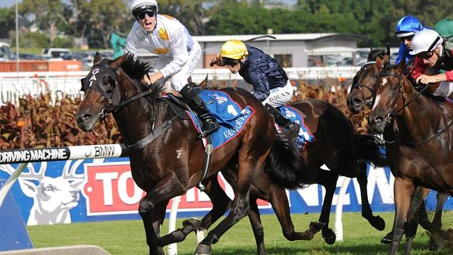 Medaglia d'Oro colt Vancouver, ridden by Tommy Berry, wins the Golden Slipper Stakes on S