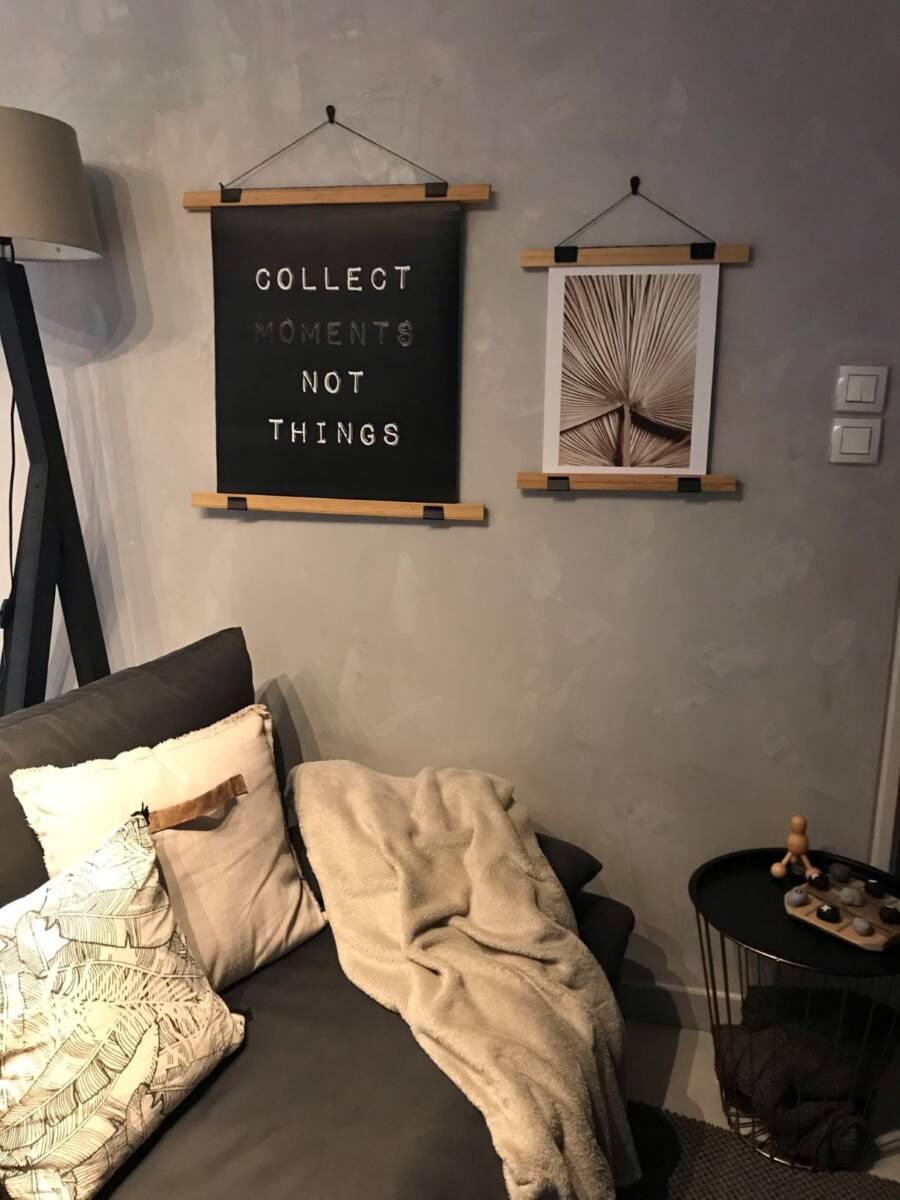 Salon avec les affiches APRES