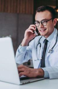¿Cuánto cuesta un seguro de responsabilidad civil médico?