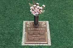 Photo Of Crestwood Plaque, The Prestige Difference - Prestige Memorials