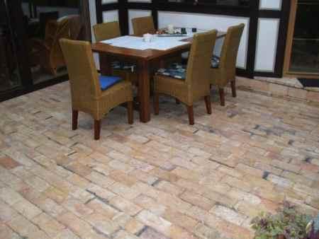 Ziegelboden Bodenplatten Steinboden rustikal Landhaus mediterran Antikziegel alte Mauersteine Fliesen Backsteine