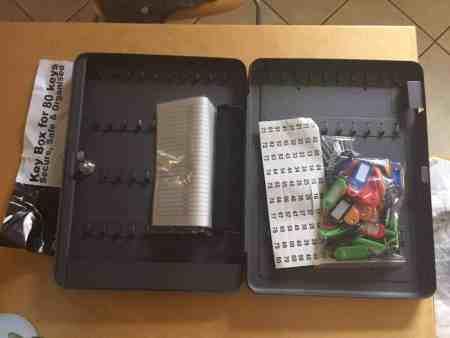 Schlüssel-Kasten/Schrank, 80 Haken mit seitlichem Schlüsseleinwurf, dunkelgrau