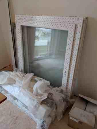 Drei neue Fenster mit Vorsatzrolladen und Alu Fensterblechen
