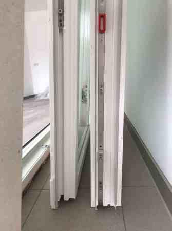 Doppelterrassenglastür mit elektirscher Jalousie
