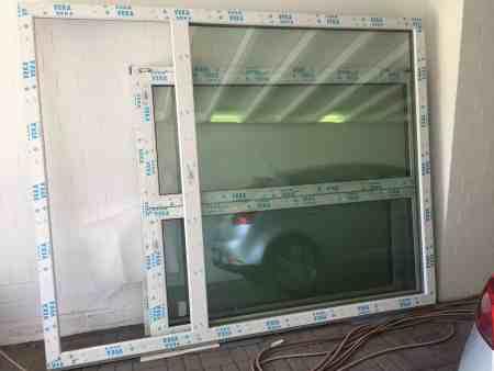 Veka Balkonfenster mit Tür