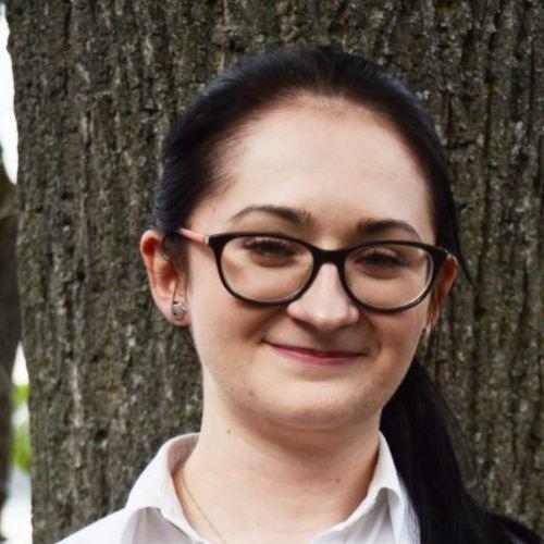 """Lukasik Katharina Kellnerin, älteste Tochter vom Mysyk Elisebeth """"Ella"""" unserer Köchin die seit 21 Jahre im Restaurant am Heuberg für Sie kocht."""