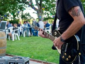 chez bernard gisquet Lou Cantoun Apéro concert _woodoo jam rock cestayrols