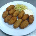 Croquetas caseras Magnifico patio Cordobes en Restaurante taberna Sociedad Plateros de Maria Auxiliadora para comer en Cordoba