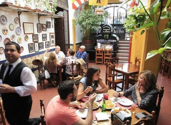El ABC recomienda al Restaurante en Cordoba Sociedad Plateros Maria Auxiliadora