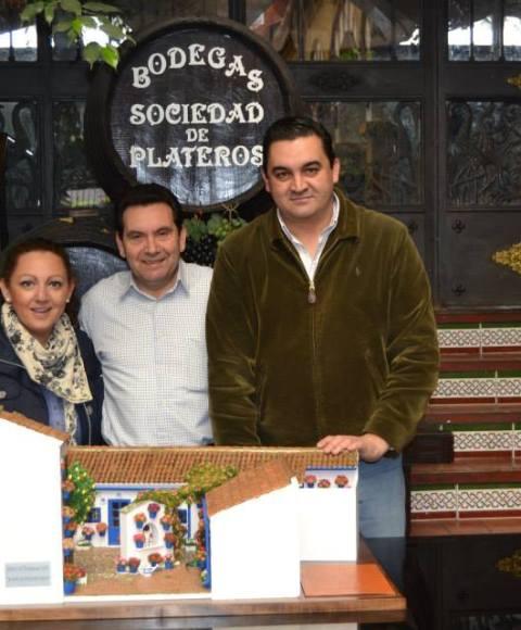 Vídeos Patios Cordobeses en Miniatura en el Restaurante en Córdoba Sociedad Plateros María Auxiliadora
