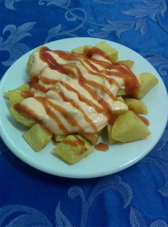 Patatas bravas para celiacos en el Restaurante Sociedad Plateros Maria Auxiliadora