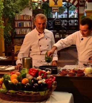 La television de Turquia en el Restaurante Sociedad Plateros Maria Auxiliadora 02