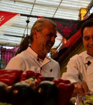 La television de Turquia en el Restaurante Sociedad Plateros Maria Auxiliadora 11